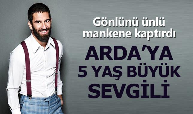 Arda Turan ünlü mankenle aşk yaşıyor