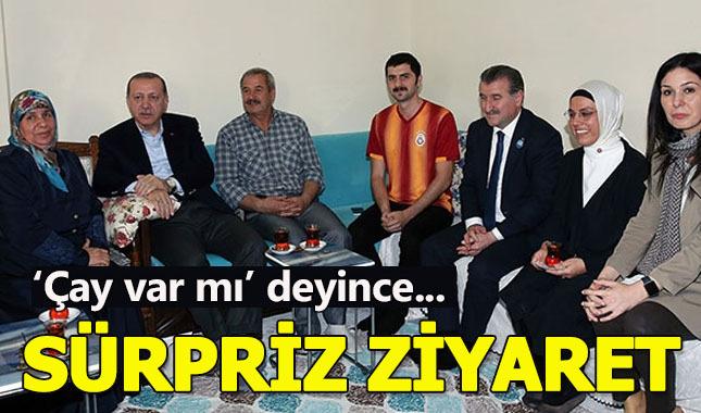 Erdoğan balkondan yapılan davete icabet etti