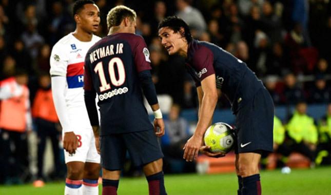 PSG'de Neymar-Cavani krizi sürüyor