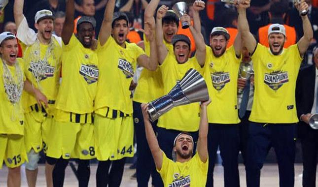 Zirvede Fenerbahçe yer aldı