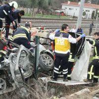 Manisa'da korkunç kaza: 4 ölü, 2 yaralı