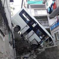 Kocaeli'de feci kaza: Biri ağır 12 yaralı var
