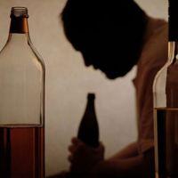 İngiltere'de 200 binden fazla çocuğun ebeveyni alkolik