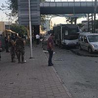Adana'da polis aracına bombalı saldırı