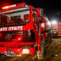 Arnavutköy metro şantiyesinde iş makinası yangını