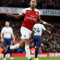 Arsenal, Tottenham'a acımadı