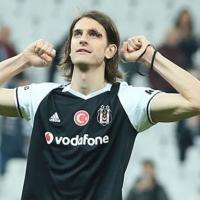 Atınç Beşiktaş'ta kalacak