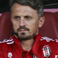 Beşiktaş'ta yardımcı antrenör Orhan Ak istifa etti