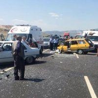 Burdur'da zincirleme kaza: 1 ölü, 9 yaralı