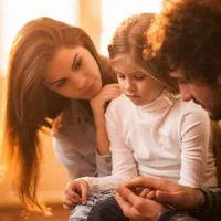 Çocuğunuza sevgi göstermek uykudan daha yararlı