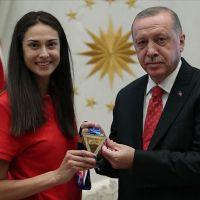 Cumhurbaşkanı Erdoğan milli sporcu Yaman'ı kabul etti