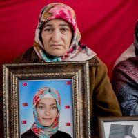 Diyarbakır annelerinden Akkuş kızına seslendi