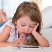 Dokunmatik ekran çocukları uykusuz bırakıyor