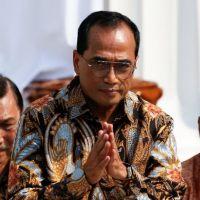 Endonezya ulaştırma bakanı coronavirüs'e yakalandı!