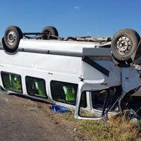 Erzincan'da minibüs devrildi: 12 yaralı