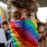 Eşcinsel dönüştürme yasasına tepki
