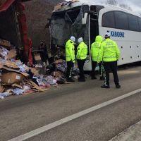 Çankırı'da feci kaza! Yolcu otobüsü TIR'a çarptı: 31 yaralı