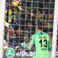 Fenerbahçe Erzurumspor ile berabere kaldı