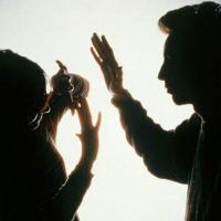 Gençlerin yüzde 40'ı, kadına tokat atılabileceğini savunuyor