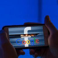 """""""Google ve Facebook her veriyi topluyor"""""""