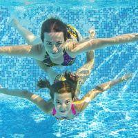 Havuz ve sıcak hava, kulak egzamasını tetikliyor