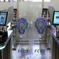 'Hızlı Pasaport Geçiş Sistemi' İstanbul Havalimanı'nda devreye girdi