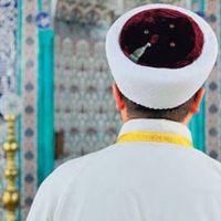 İmam camide Suriyeli kadınla basıldı
