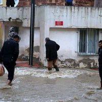 İzmir-Eskişehir tren seferleri durduruldu