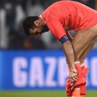 Juventus efsanesi Buffon, tribünleri şortsuz selamladı