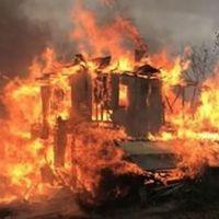 Kastamonu'da 5 ev yangına teslim oldu