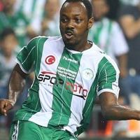 Konyasporlu futbolcuya palalı saldırı
