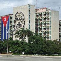 Küba bir ay boyunca sınırlarını kapatıyor