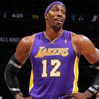 Lakers Dwight Howard'ı transfer etti