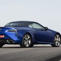 Lexus kusursuz boya İçin teknolojinin sınırlarını zorluyor