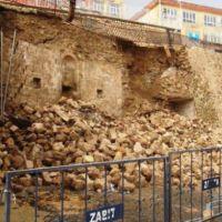 Mardin'de duvar yıkıldı, arkasından tarih çıktı!