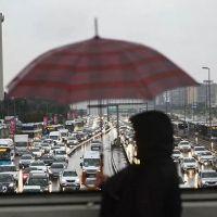 Meteoroloji İstanbul'da yağmur için saat verdi