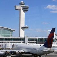 New York Uluslararası Havaalanı'nda uçak kazası