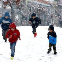 O ilçede ilk kar tatili ilan edildi!