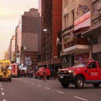 Otelde yangın: 1 ölü, 50 yaralı