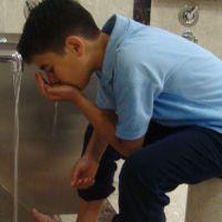 Ağza su vermek orucu bozar mı
