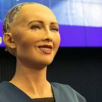 Robot Sophia Türkiye'ye geldi