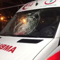 Samsun'da park halindeki ambulanstan 'intikam' aldılar