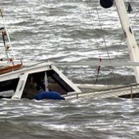 Sinop'ta balıkçı teknesi denize gömüldü! Ekipler kurtarma çalışması başlattı