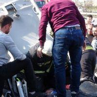 TEM'de dönüş yapan sürücü, zincirleme kazaya neden oldu: 7 yaralı