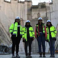 Türkiye'nin en yüksek barajına 'kadın eli' değdi