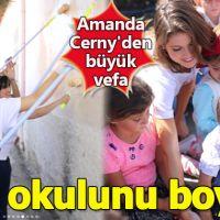 Türkiye'ye gelen Amanda Cerny'den büyük vefa! Nevşehir'de köy okulunu boyadı