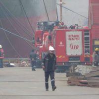 Tuzla'da gemide yangın:Yaralılar var