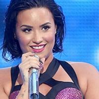 Ünlü şarkıcı Demi Lovato'nun çıplak fotoğrafları internete düştü
