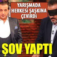 Ünlü şef Mehmet Yalçınkay'nın gözü kapalı bütün tavuğu parçalara bölmesi