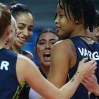 Voleybolda kazanan Fenerbahçe Opet